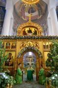 В праздник Святой Троицы Митрополит Александр возглавил престольное торжество в Брянском Кафедральном Соборе