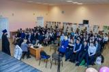 В Дятьковской гимназии священник провел профилактическую беседу со старшеклассниками о вреде наркомании и алкоголизма